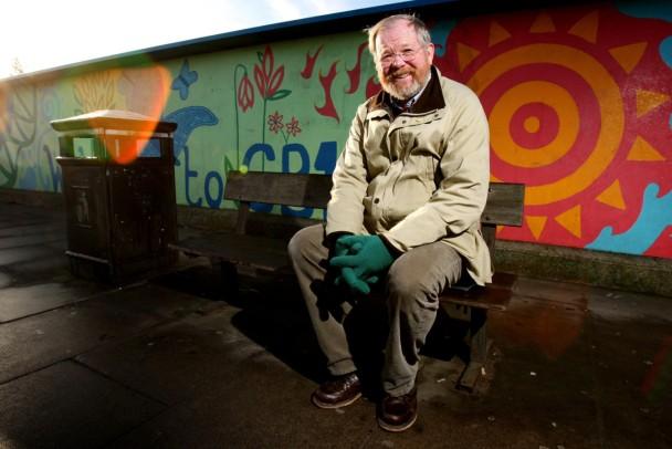 Keep railways tidy says Bryson